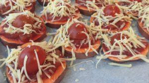 Zoete aardappel pizza